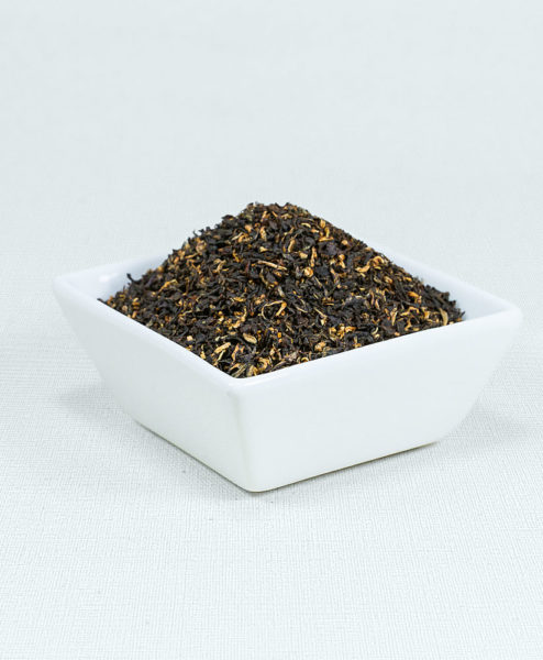 Schwarzer Tee Assam FBOP in weißer Schale