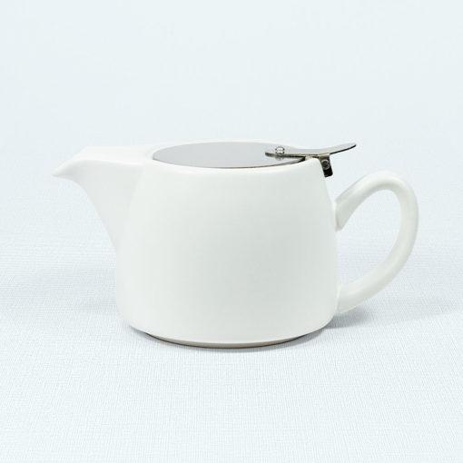 Moderne Teekanne mit Filter Air