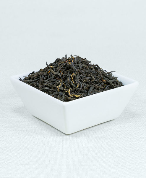 Schwarzer Tee China Panyong Style Bio in weißer Schale
