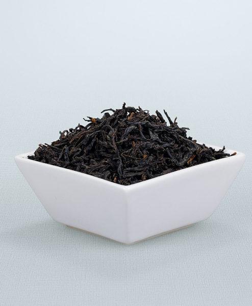 Schwarzer Tee Keita Koucha Bio in Porzellanschale