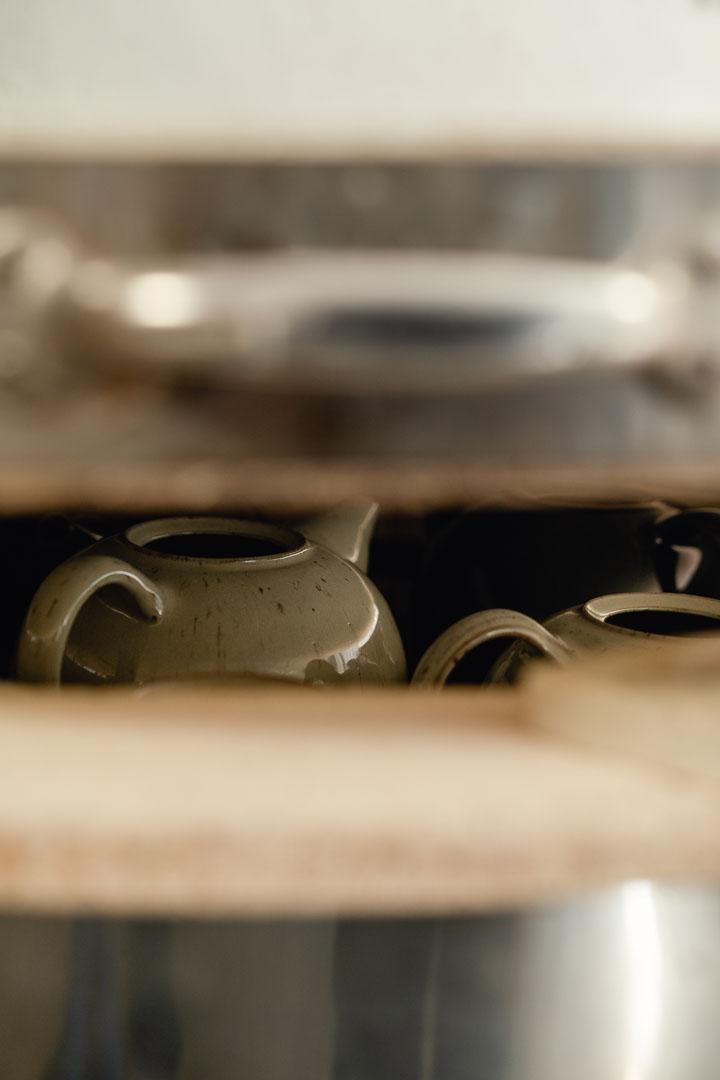 Teekanne in Brennofen