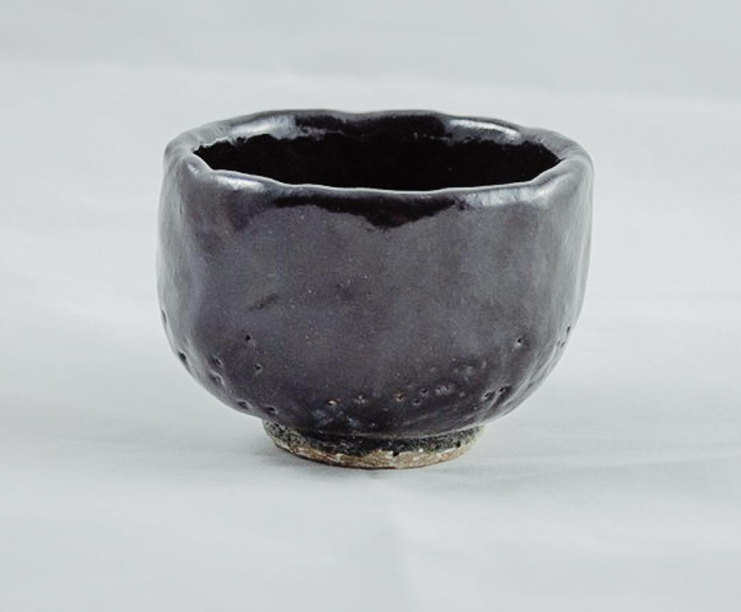 Raku-Keramik auf weiß